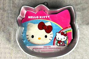 wilton-hello-kitty-cake-pan