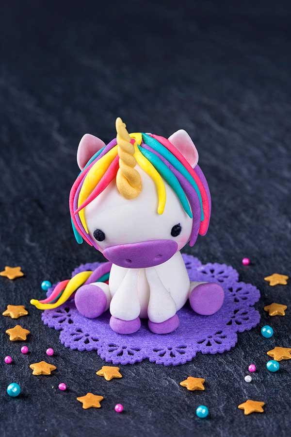 unicorn-birthday-cake topper