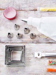 cake decorating tools