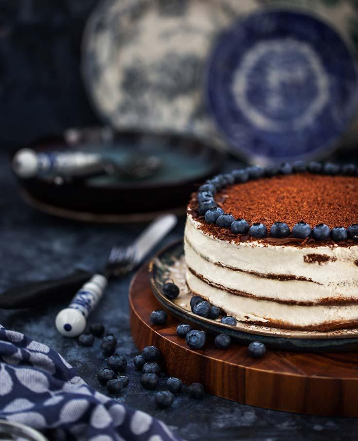 chocolate-cake-decorating-ideas-sour-cream